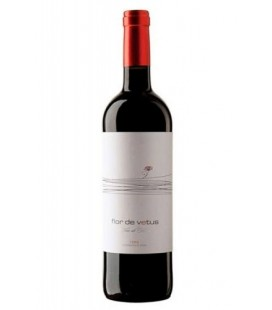 vino tinto flor de vetus 2013